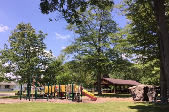 2017 Park Pictures - Park Play Area - Jungle Gym and Climbing Rock